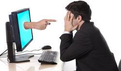 Het pesten van collega's gaat online gewoon door